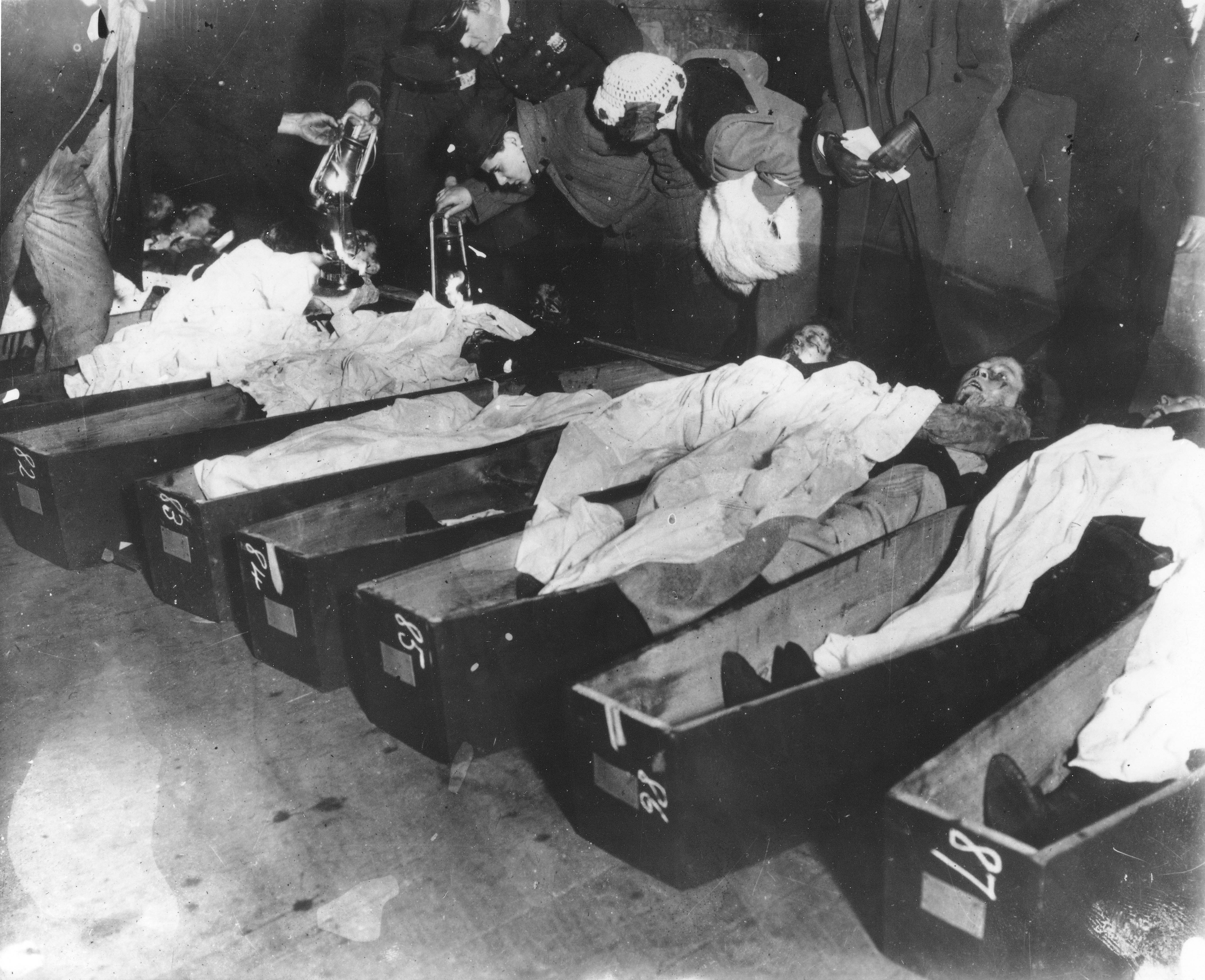 Triangle Factory Fire Victims at the 26th Street Pier ... Triangle Shirtwaist Fire 1912