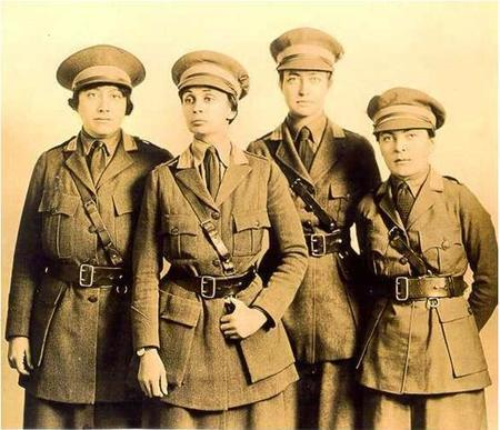 Irma Lindheim and Others in the Motor Corps of America, circa 1910s