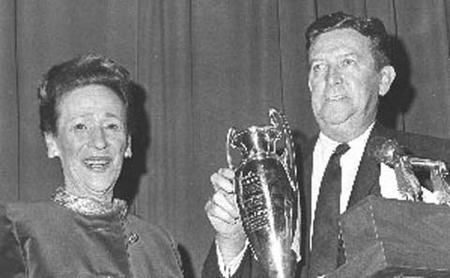 Edith Stern Receives Time-Picayune Loving Cup, 1932