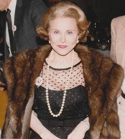Esther Lederer, know as Ann Landers, 1983