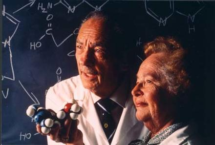 Gertrude Elion and Dr. George Hitchings, 1988