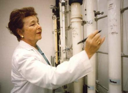 Gertrude Elion in a Laboratory, 1980